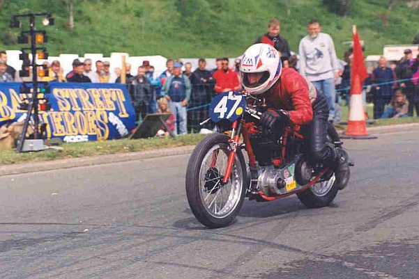 John racing his 350cc Ariel Sprint Special in 'Ramsey Sprint' on the Isle of Man.